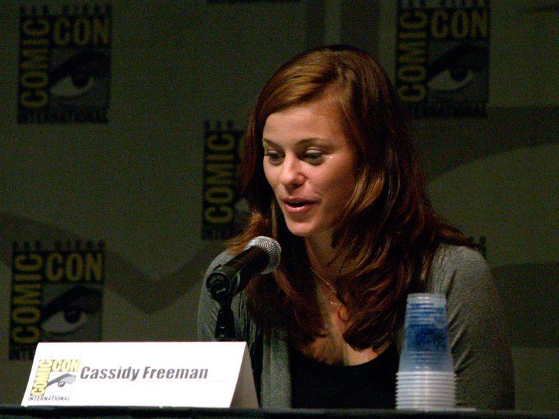 Cassidy Freeman As Tess Mercer Wallpaper 800x600