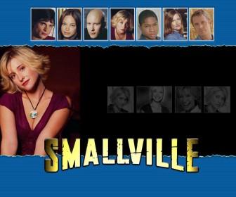 Chloe Sullivan With Smallville Characters Wallpaper