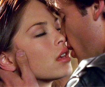 Clark And Lana Kiss Wallpaper