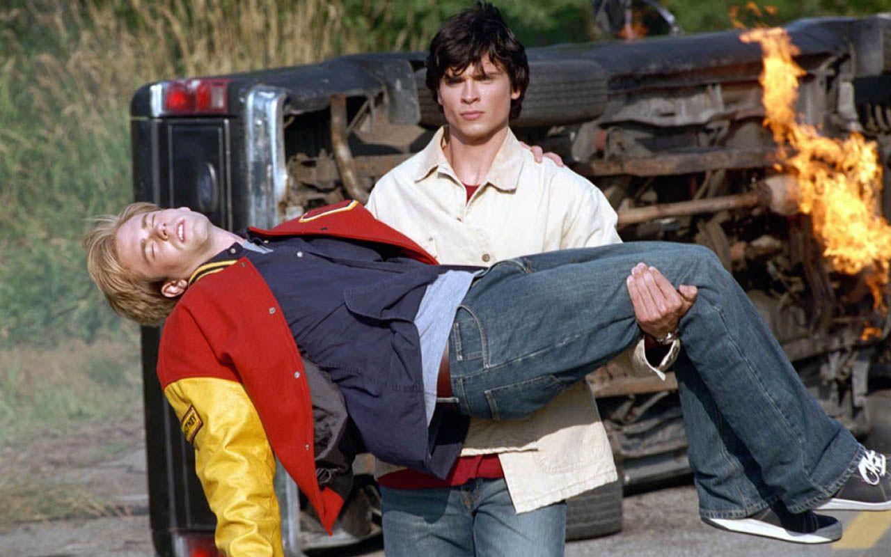 Clark Kent Saved Whitney Fordman Wallpaper 1280x800