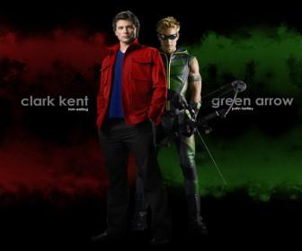 Clark Kent With Oliver Queen Wallpaper
