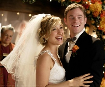 Jimmy Olsen And Chloe Sullivan Wedding Wallpaper