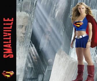 Kara Kent As Supergirl Wallpaper