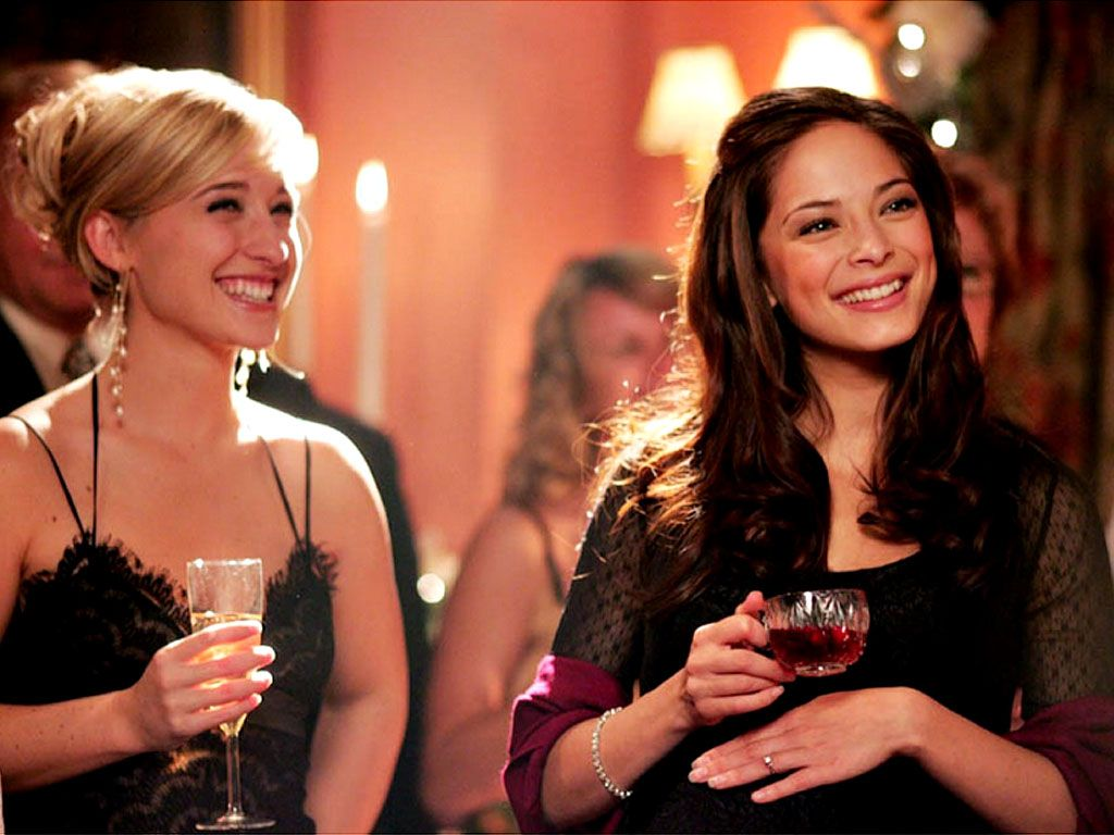 Lana And Chloe Toast Wallpaper 1024x768