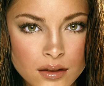 Lana Lang Pretty Face Wallpaper