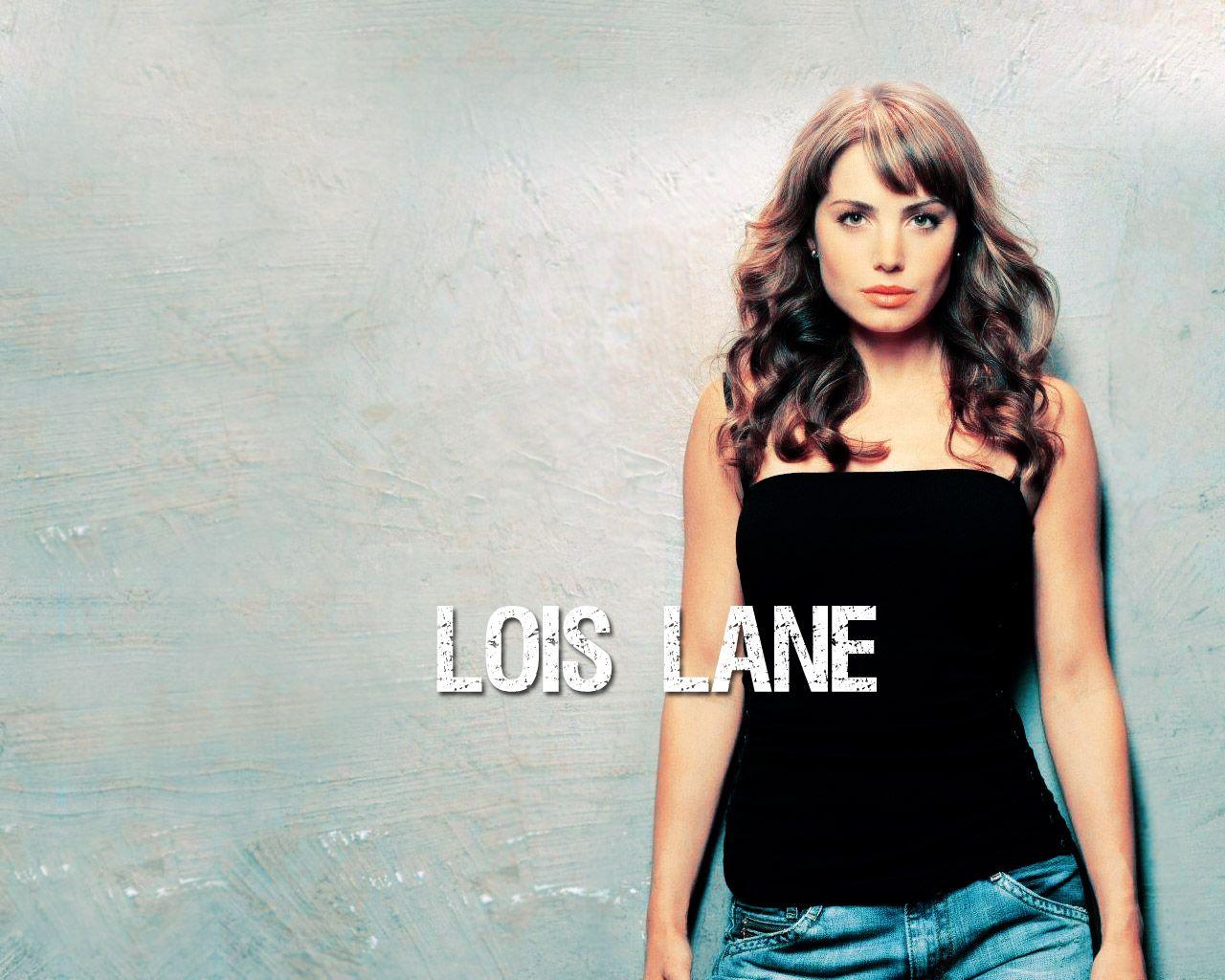 Lois Lane Black Top Portrait Wallpaper 1280x1024