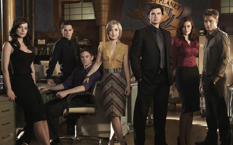 Smallville Season 8 Cast Wallpaper 1440x900