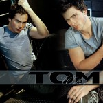 Tom Welling Gray Shirt Portrait Wallpaper